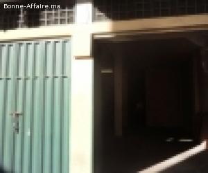 Local-commercial industriel de 100m2 aux Roches Noires