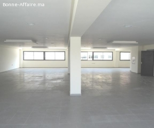 Local industriel neuf de 2.000 m² à Ouled Saleh